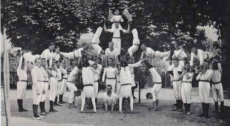 Turnerpyramide aus den 1920er Jahren