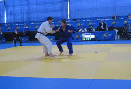 Judo-Europameisterschaft 2010: Torsten Zettelmeier (rechts) gegen den Europameister aus Russland
