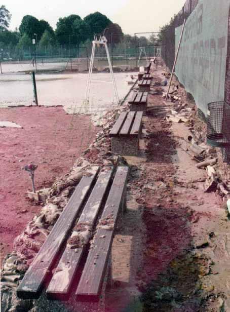 Tennisplätze nach der Überschwemmung, Juni 1984